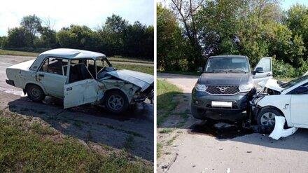 Пара подростков покалечилась в массовой аварии в Воронежской области
