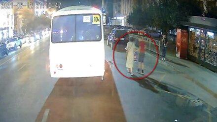 «В пакете был мяч». Как провожавшую внука женщину сделали крайней во взрыве ПАЗа в Воронеже