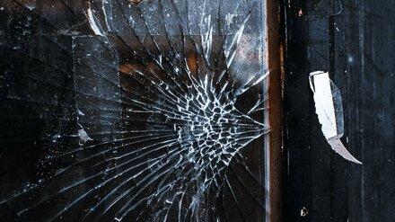 В Воронежской области вдребезги разбили окна районной администрации