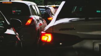 Километровые пробки образовались на выезде из Воронежа