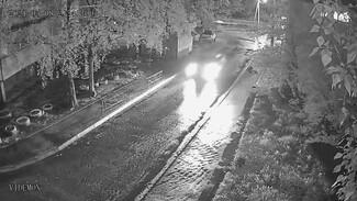 Уходивший от погони воронежец под камерами протащил пешехода на капоте и скрылся