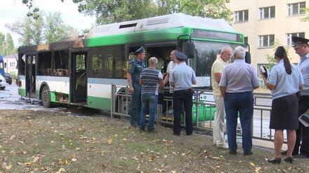 Следком заинтересовался пожаром в автобусе №90 в Воронеже