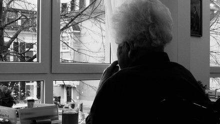 Испугавшаяся порчи 81-летняя воронежская старушка потеряла сбережения