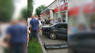 Появилось видео последствий смертельного ДТП на тротуаре в Воронеже