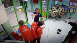 В «Пятёрочке» рассказали подробности нападения воронежского стрелка на продавца