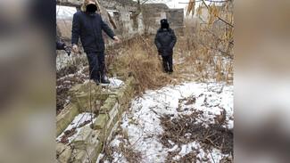 Тело пропавшего под Воронежем парня нашли у заброшенного дома закопанным