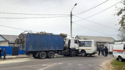 ДТП с автобусом и КамАЗом в Воронеже заинтересовался Следком
