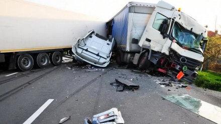 После столкновения двух грузовиков на трассе М-4 «Дон» погиб воронежец
