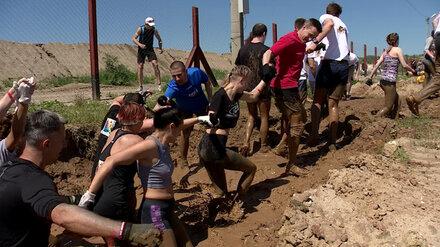 Воронежцы спустя 2 года повторят экстремальный забег по грязи и под проволокой