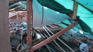 В Воронеже пятиэтажка осталась без крыши из-за коронавируса
