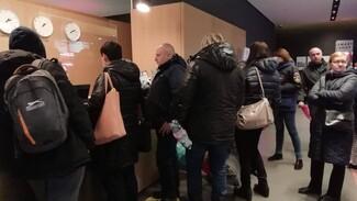 Жильцы горевшей пятиэтажки в Воронеже переночевали у близких и в гостинице