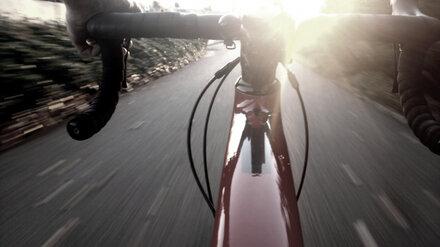 В воронежском селе автомобиль насмерть сбил велосипедиста