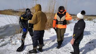 Дайверов попросили подключиться к поискам провалившегося под лёд воронежского школьника