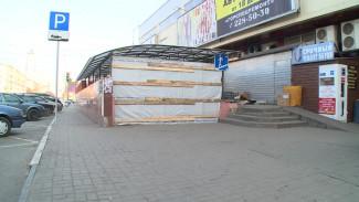 Подземный переход у цирка в Воронеже начали превращать в «старый город»