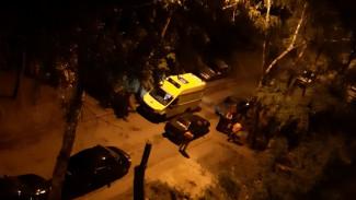 В Воронеже 20-летняя девушка умерла после падения с крыши многоэтажки
