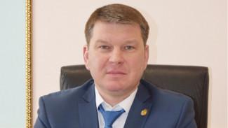 Переживший покушение глава района под Воронежем возвращается на работу
