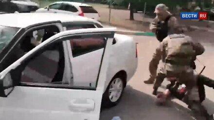 Задержание подпольных оружейников в Воронеже показали на видео