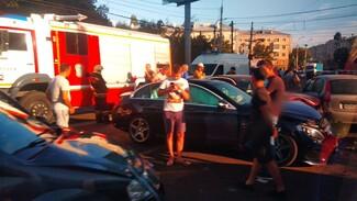 ГИБДД рассказала подробности массовой аварии в центре Воронежа