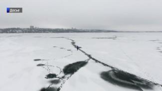 Воронежские спасатели отметили на карте толщину льда в разных участках водохранилища