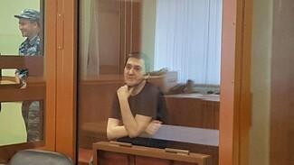 Воронежца, намеренно сбившего на Mercedes курсанта МЧС, вновь оставили в СИЗО