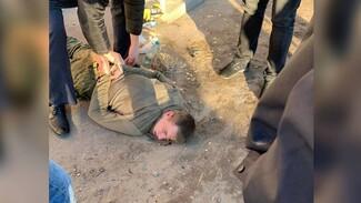 Появилось видео задержания воронежского солдата-стрелка