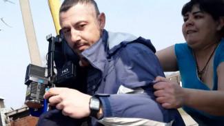 Хозяйка незаконного бизнеса напала на съёмочную группу «Вести Воронеж»