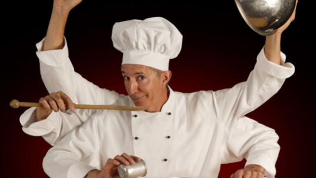 Есть,  шеф!  Рецепты  блюд  лучших  поваров  воронежских ресторанов,  которые  можно  приготовить  дома