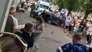 Дело экс-полицейского о ДТП с двумя погибшими в Воронеже дошло до суда