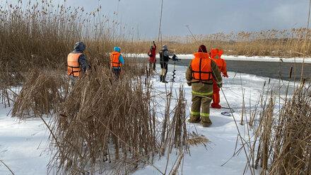 Водолазы больше недели разыскивают провалившегося под лёд воронежского школьника