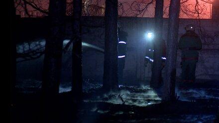 В Воронеже пожарные предотвратили взрыв в мебельном цехе