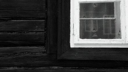 В Воронежской области грабитель с ножом ворвался в дом к пенсионерке