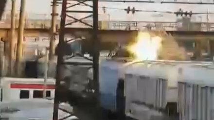 В Воронежской области парень упал замертво с поезда после удара током: появилось видео