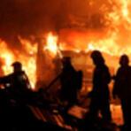 Охвативший склад и огнеопасные бензовозы пожар в Воронеже потушили 70 спасателей