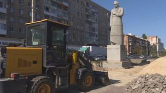 В Воронеже возобновили благоустройство территории у памятника Кольцову