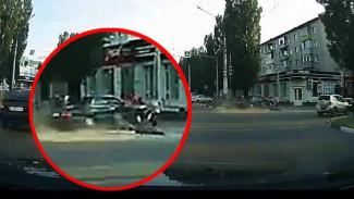 Эксперт о хаосе на дороге перед ДТП с полицейским в Воронеже: «Пусть каждый ответит за своё»