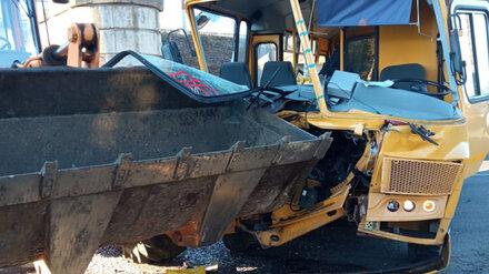 В Воронежской области произошло ДТП со школьным автобусом: семь пострадавших