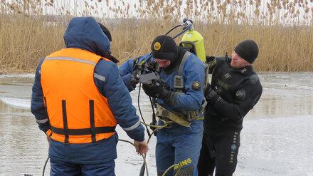 К поискам провалившегося под лёд воронежского школьника подключат столичных водолазов