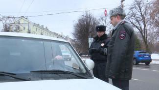 Главный автоинспектор Воронежской области лично отругал водителей за нарушения на «зебре»