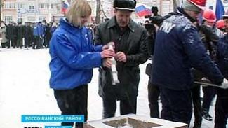 Губернатор Алексей Гордеев посетил сразу два района области