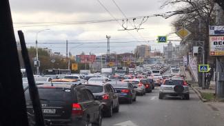 Ремонт виадука спровоцировал транспортный коллапс в центре Воронежа