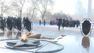 В Воронеже возложили цветы в честь 76-й годовщины освобождения города