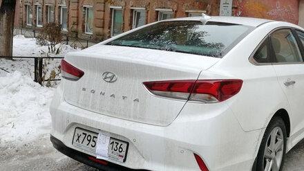 В Воронеже оштрафовали водителя, припарковавшего свой автомобиль на тротуаре