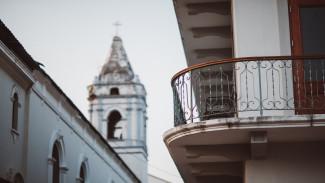 Россиян призвали выйти на балконы и поддержать врачей аплодисментами