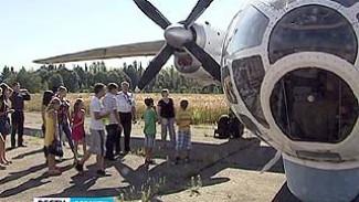 Школьников на один день погрузили в жизнь Воронежского аэропорта