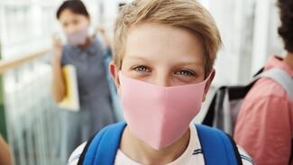 Всплеск заболеваемости индийским штаммом COVID-19 в Воронежской области связали с детьми