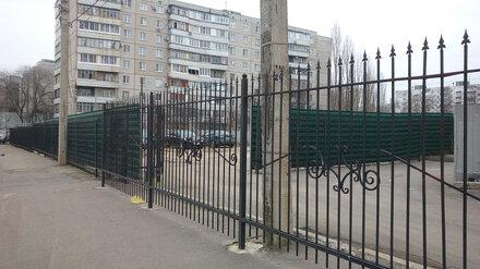 Спасённый воронежцами от застройки сквер превратили в парковку