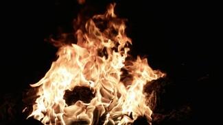 При пожаре в воронежской многоэтажке погиб 63-летний мужчина