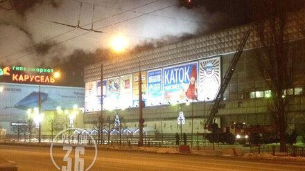 В Воронеже на стеклотарном заводе произошёл пожар