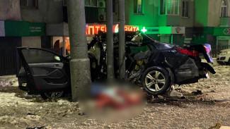 В Воронеже разбилась служебная иномарка проректора ВГУ: водитель погиб