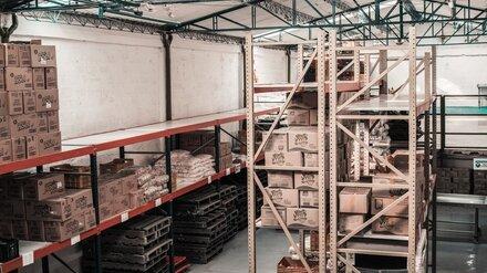 На территории воронежского завода скончался мужчина